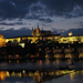 Prágai vár esti fényekben